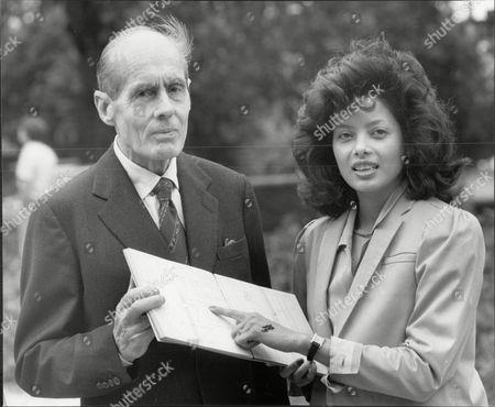 Group Captain Leonard Cheshire With Actress Emily Bolton Mark Anniversary Of Vj Day 1985.