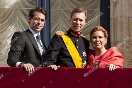 Prince Felix of Luxembourg, Grand Duke Henri of Luxembourg and Grand Duchess Maria Teresa of Luxembourg on the balcony