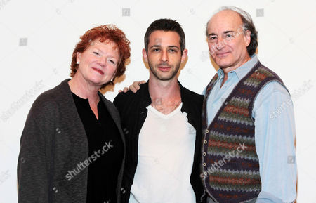 Becky Ann Baker, Jeremy Strong and Peter Friedman