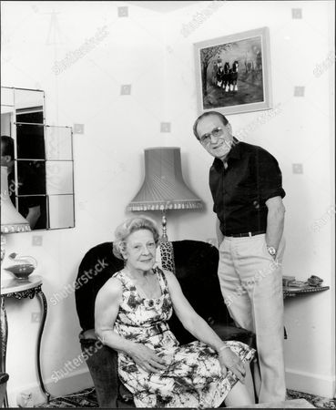 Charlie Chester Comedian At Home With His Wife Dorita Chester 1984.