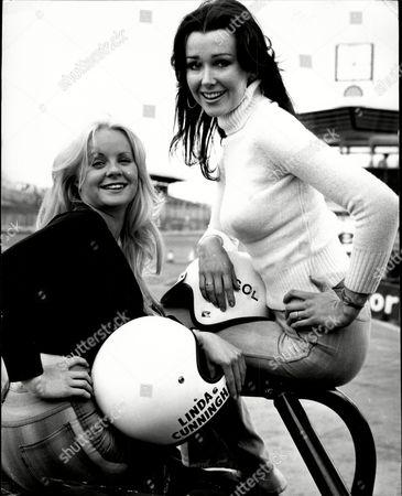Linda Hooks And Linda Cunningham At Brands Hatch.