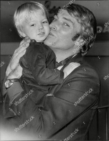 Singer Frank Ifield With His Son Francis Edward Ifield (born 30 November 1937) Is An Australian-english Easy Listening And Country Music Singer. He Achieved Considerable Success In The Early 1960s Especially In The Uk Singles Chart Where He Had Four Number 1 Hits Between 1962 And 1963.