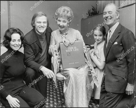 Jennette Michell Husband Keith Michell (actor) And Daughter Helena Michell With Dulcie Gray And Husband Jon Denison (actors) All At Thames Tv Studios For This Is Your Life 1973.