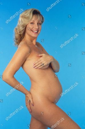 Editorial photo of SUSIE SILVEY HOUSEWIFE AT VARIOUS STAGES OF PREGNANCY - 1991