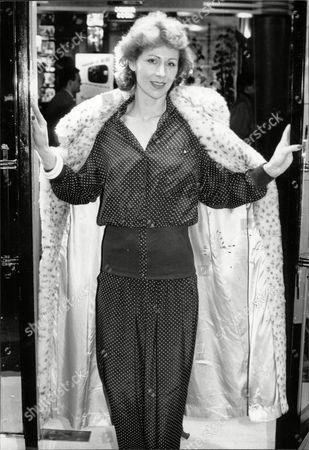Jane How Actress In Fur Coat 1989.