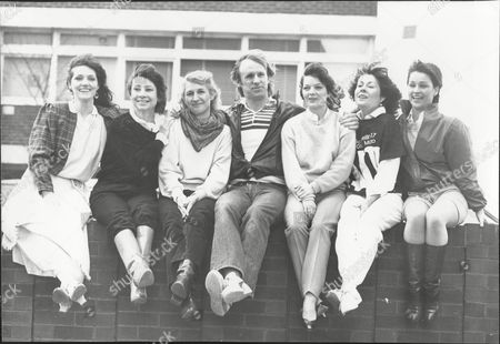 Louise Jameson Carole Ann-ford Caroline John Peter Davison Sarah Sutton Elizabeth Sladen And Janet Fielding Actors From Tv Drama Doctor Who Together For Show's Twentieth Anniversary 1983.