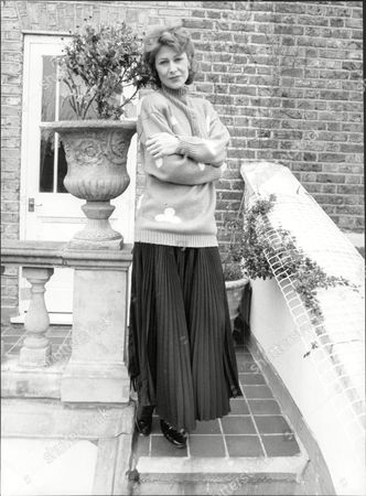 Jane How Actress At Home 1988.