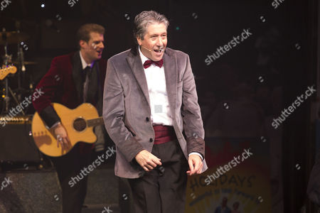 David Cardy (Phil/Older Bobby)