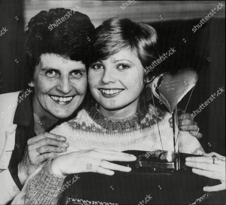 Actress Dee Hepburn And Mother With Her Film Actress Of The Year Award.