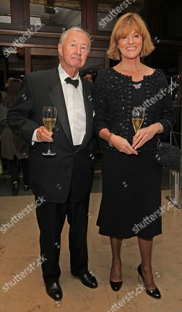 Stock Photo of Chef Raymond Blanc Prepared And Hosted A Celebrity Martell Dinner Inside A Window Of Harrods In Knightsbridge. Sir Terence Conran And Lady Vicki Conran.