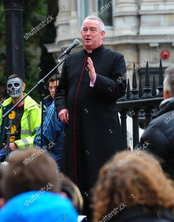 The Occupy London Camp Is Addressed By The Dean Of St Paul's Graeme Knowles This Morning. He Has Since Resigned.
