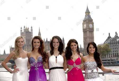 Miss World Line Up Miss England Alize Lily Mounter With Miss Ireland Holly Carpenter Miss Scotland Jenifer Reoch Miss Ni Finola Guinnane And Miss Wales Sara Manchipp By The Thames.