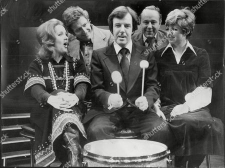 Television Presenter Russell Harty On The Drums At Wyndhams Theatre With L-r Millicent Martin David Kernan Ned Sherrin And Julia Mckenzie Russell Harty (5 September 1934 A 8 June 1988) Was A British Television Presenter Of Arts Programmes And Chat Shows.