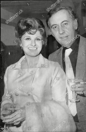 Pat Phoenix Actress With Actor Alan Browning After Announcing Their Engagement.