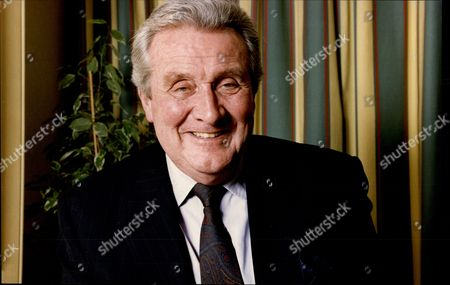 Actor Patrick Macnee David Patrick Macnee (born 6 February 1922) Is A British Actor Known For His Role As The Secret Agent John Steed In The Series The Avengers.