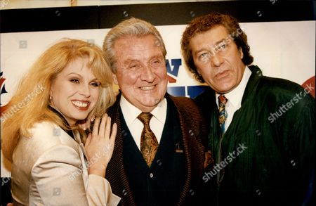Actor Patrick Macnee (c) With Joanna Lumley And Gareth Hunt (r) Photocall For Bravo Tv David Patrick Macnee (born 6 February 1922) Is A British Actor Known For His Role As The Secret Agent John Steed In The Series The Avengers.