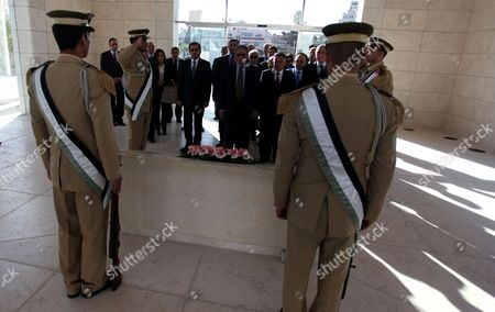 Egyptian politician and former Arab League Secretary-General, Amr Moussa lays wreath on tomb of Yasser Arafat