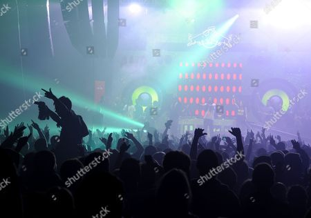 Stock Picture of Annie Mac presenting Magnetic Man