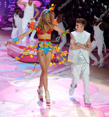 Maud Welzen and Justin Bieber