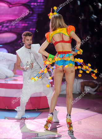 Stock Picture of Maud Welzen and Justin Bieber