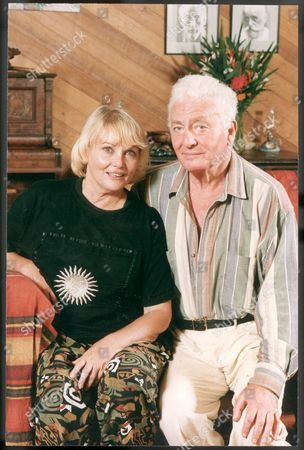 Playwright Anthony Shaffer With His Actress Wife Diane Cilento At Their Home In Northern Queensland Australia. Diane Cilento Actress Died 6/10/2011.