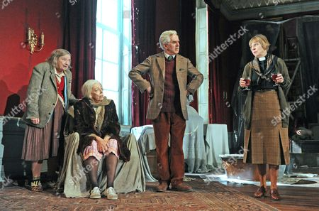 Linda Bassett as Iris, Francis de la Tour as Dorothy, Nicholas Le Prevost as Ralph, Selina Cadell as June