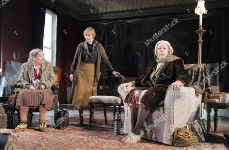 Linda Bassett as Iris, Selina Cadell as June, Francis de la Tour as Dorothy