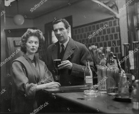 Moira Shearer Ballet Dancer & Actress With Husband Journalist Ludovic Kennedy Both In The Woolpack Pub Rochdale 1958.