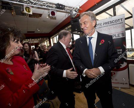 Stock Photo of Pauline Prescott applauds Tony Blair and John Prescott