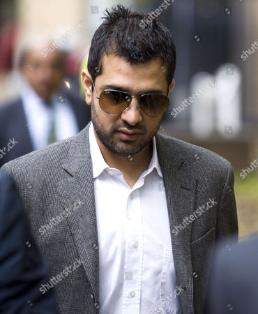 Mazhar Majeed Pakistan Cricketers Arrive At Southwark Crown Court For Sentence Today Picture Jeremy Selwyn 03/11/2011.