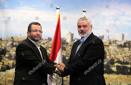 Palestinian Prime Minister in Gaza Ismail Haniyeh receives Egyptian Prime Minister Hesham Qandil