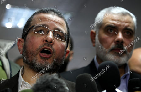Egyptian Prime Minister Hesham Qandil and Palestinian Prime Minister in the Gaza Strip Ismail Haniyeh