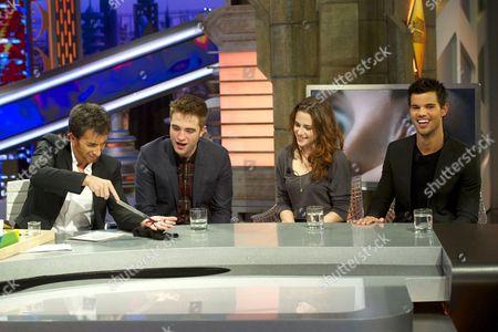 Pablo Motos, Robert Pattinson, Kristen Stewart and Taylor Lautner