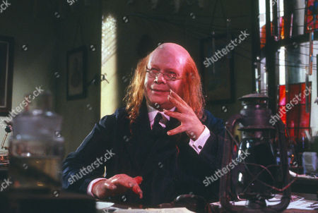 Ronald Lacey as Thaddeus Sholto/Bartholomew Sholto
