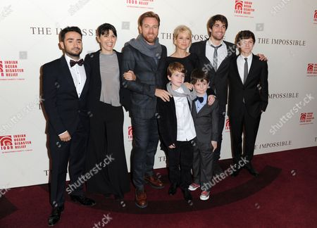 Juan Antonio Bayona, Maria Belon, Ewan McGregor, Naomi Watts, Lucas Belon, Tom Holland, Samuel Joslin and Oaklee Pendergast