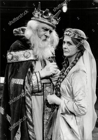 English Actor Freddie Jones With Actress Isabel Dean In 'the Dresser' At The Royal Exchange Theatre
