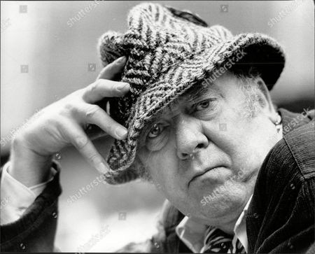 English Actor Freddie Jones Frederick Charles 'freddie' Jones (born 12 September 1927) Is An English Character Actor. Jones Was Born In The Town Of Longton Stoke-on-trent Staffordshire The Son Of Ida Elizabeth (nae Goodwin) And Charles Edward Jones. He Became An Actor After Ten Years Of Working As A Laboratory Assistant With A Firm Making Ceramic Products When His Hobby Of Acting Took Over. He Was Trained At The Prestigious Rose Bruford College And Became Famous For His Role As Claudius In The 1968 British Television Series The Caesars. He Tends To Play Eccentric Characters. He Narrated The Award-winning Video Sexual Encounters Of The Floral Kind: Pollination. He Plays The Character Sandy Thomas In Itvas Soap Opera Emmerdale. He Was Also Something Of A David Lynch Regular Appearing In The Elephant Man (1980) Dune (1984) Wild At Heart (1990) His Short-lived Tv Series On The Air (1992) And The Short Film Hotel Room (1993). Jones Also Created The Part Of 'sir' In The Original Production Of The Dresser By Ronald Harwood. He Is The Father Of Actor Toby Jones.