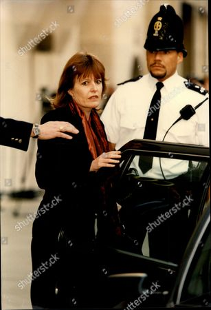 Frances Lawrence Widow Of Head Teacher Philip Ambrose Lawrence Qgm Arriving At Court For The Murder Trial . Philip Lawrence Was A London-based Headmaster Who Was Stabbed To Death Outside The Gates Of His School When He Went To The Aid Of A Pupil Who Was Being Attacked By A Gang.