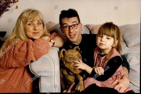 Actress And Comedian Helen Lederer With Her Daughter 3yo Hannah And Her Best Friend Comic Poet John Hegley Who Is The Godfather To Hannah Helen Lederer (born 24 September 1954) Is A Welsh Comedienne Writer And Actress Who Emerged As Part Of The Alternative Comedy Boom At The Beginning Of The 1980s.