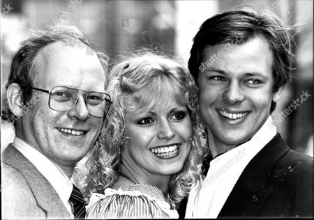 Editorial photo of Photocall For The Television Programme 'tell The Truth' With Graham Garden Dinah May 1976 Miss Great Britain And John Moulder-brown.