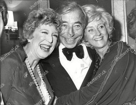Musician And Band Leader Joe Loss With Barbara Kelly (l) And Actress Liz Fraser (r) Celebrating His 50 Years In Show Business Joshua Alexander 'joe' Loss Lvo Obe (22 June 1909 A 6 June 1990) Was A British Musician Popular During The British Dance Band Era And Was Founder Of The Joe Loss Orchestra.