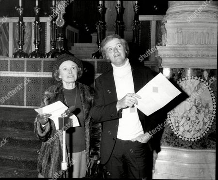 Dame Anna Neagle And Keith Michell At A Rehearsal For The Festival Of Carols.