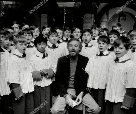 Keith Michell With Choristers From Westminster Cathedral.