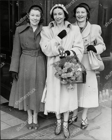 Alicia Markova (centre) Ballerina With Her Sisters Vivienne Marks And Doris Barry 1951.