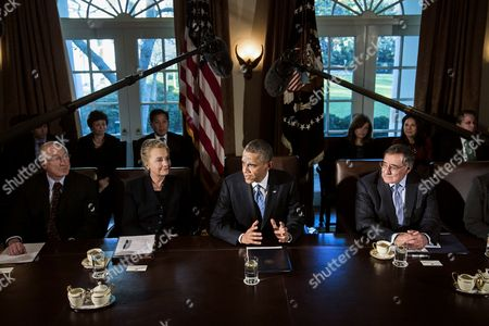 Secretary of the Interior Kenneth L. Salazar, Secretary of State Hillary Clinton, Barack Obama and Secretary of Defence Leon E. Panetta