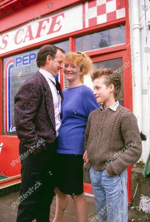 Robert Pugh as Bri Davies, Sue Roderick as Pam Davies and Nicholas Haley as Billie Davies