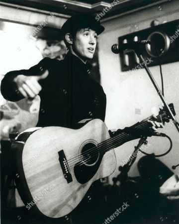Michelle Shocked in concert at the Cricketers, London