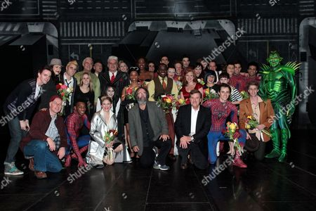 Michael Cohl, Jeremiah Harris and the cast of Spider-Man