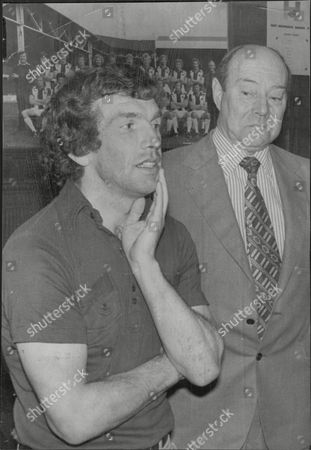 Johnny Giles Footballer Announces He's Leaving West Bromwich Albion Fc Here With Club Chairman Bert Millichip 1977.