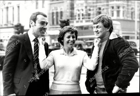 Alan Minter And His Wife Lorraine And Fellow Boxer Tony Sibson En Route At A Pre-fight Press Conference.